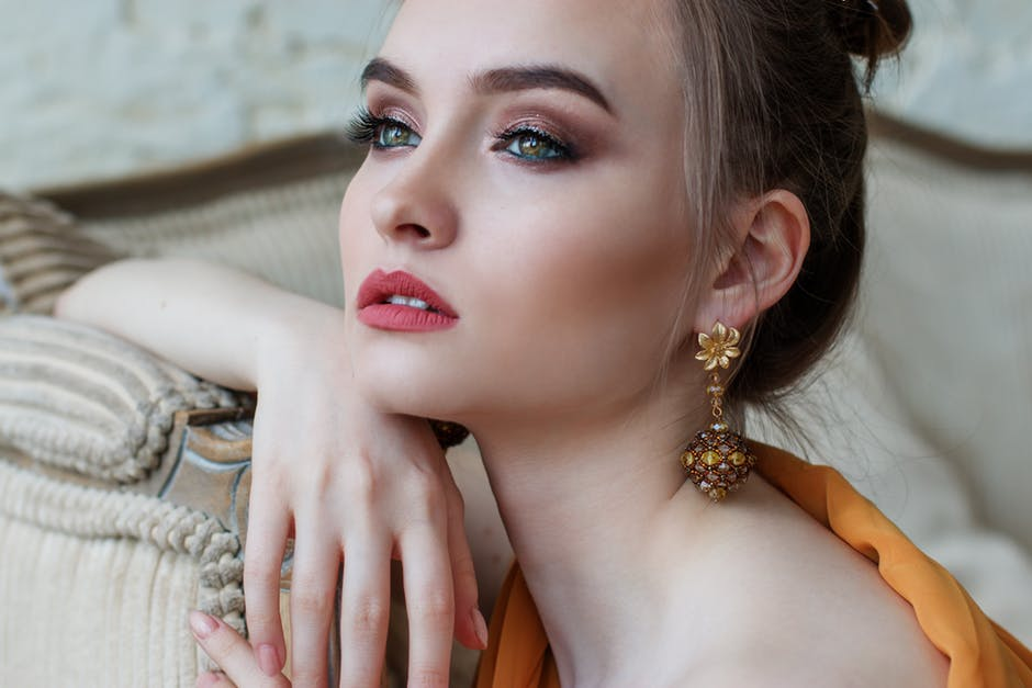 fall-jewelry-trends-earrings